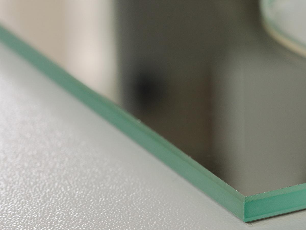 Прямолинейная обработка кромки зеркала