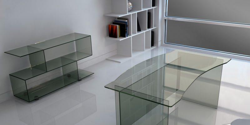Плюсы и минусы использования мебели из стекла и зеркал
